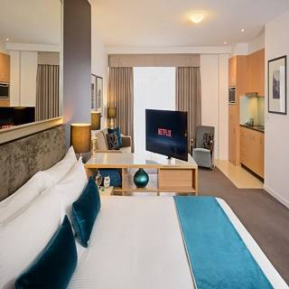 Heritage king suite - Overnight rate with free wifi and breakfast